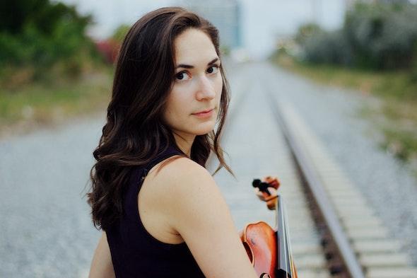 Hannah Nicholas, viola