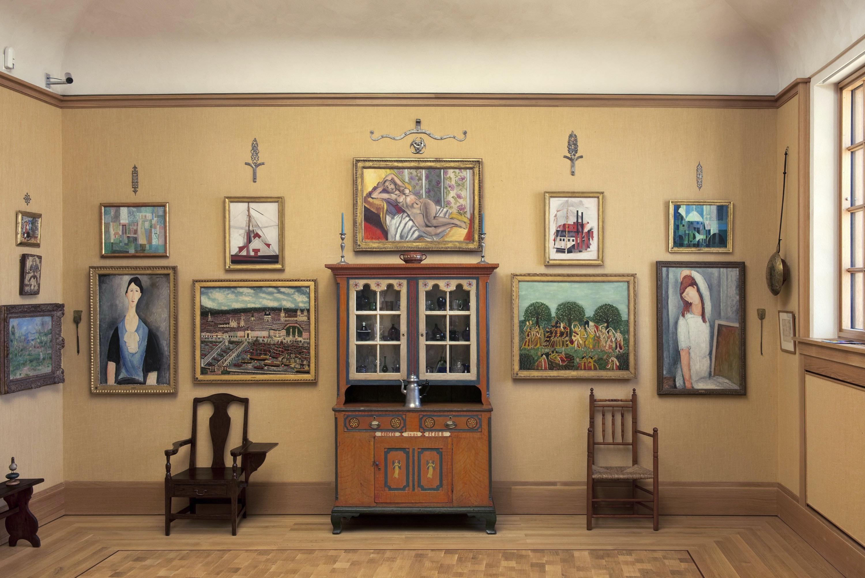 In Focus Gallery Talk: Braunu0027s Cupboard